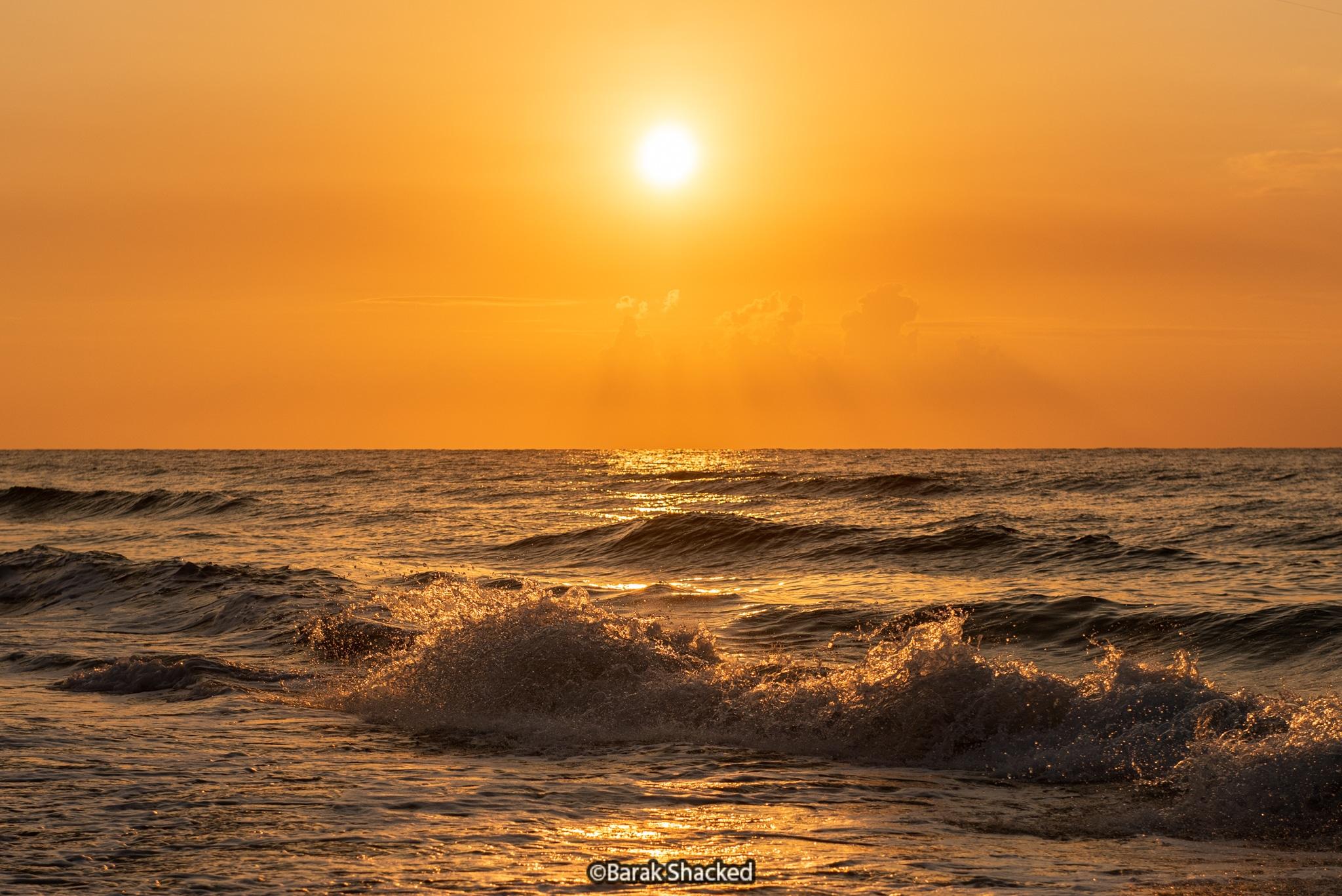 הקפאת גלים בים