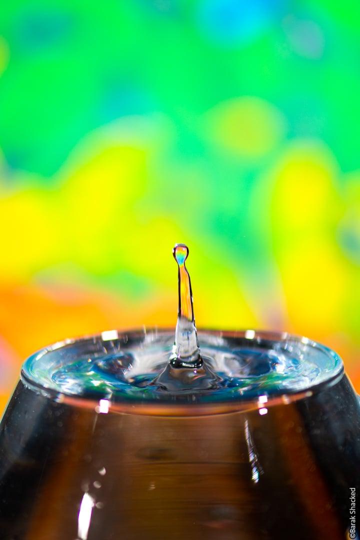 עמוד מים צבעוני
